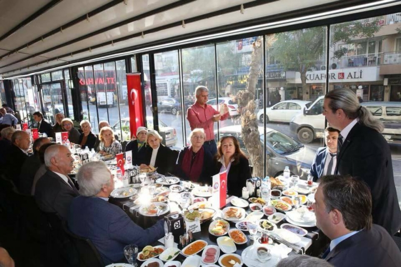 Eğiitm İş İzmir 4 Nolu Şube 24 Kasım Öğretmenler Günü Kutladı.