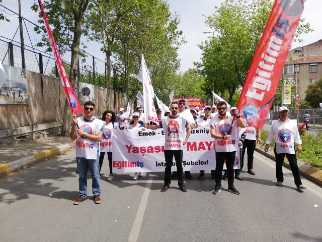 EĞİTİM İŞ İSTANBUL ŞUBELERİ 1 MAYIS'TA ALANLARDAYDI