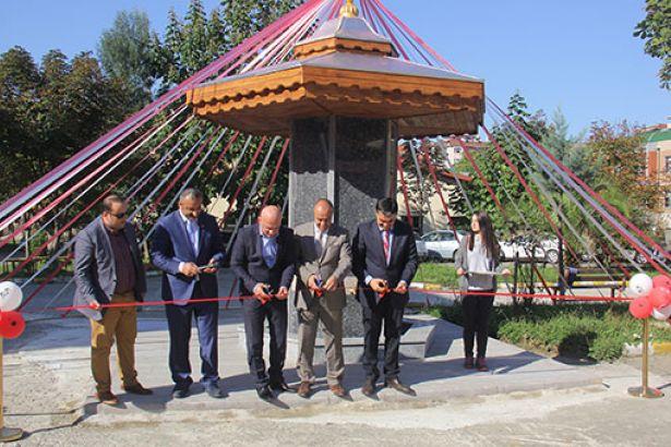 Okul bahçesinde tamir edilen çeşme 'törenle' açıldı!