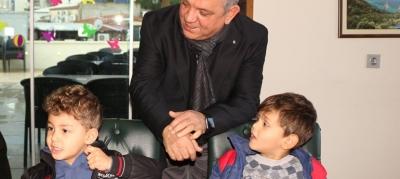 -KUŞADASI'NDA MİNİK ÖĞRENCİLER SERTİFİKALARINI ALDI