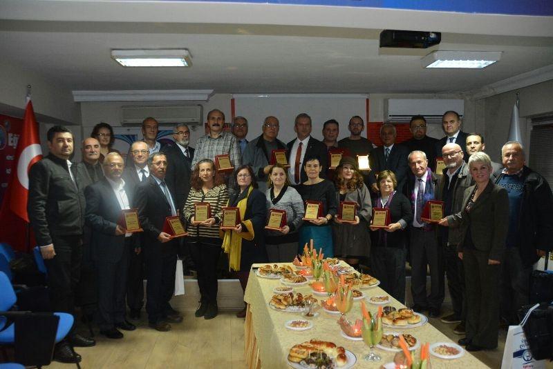 Eğitim İş Kocaeli 1 Nolu Şubesi Emekli Üyelerimiz ve 3. Dönem Yönetim Kurulu Üyeleri Plaket Töreni