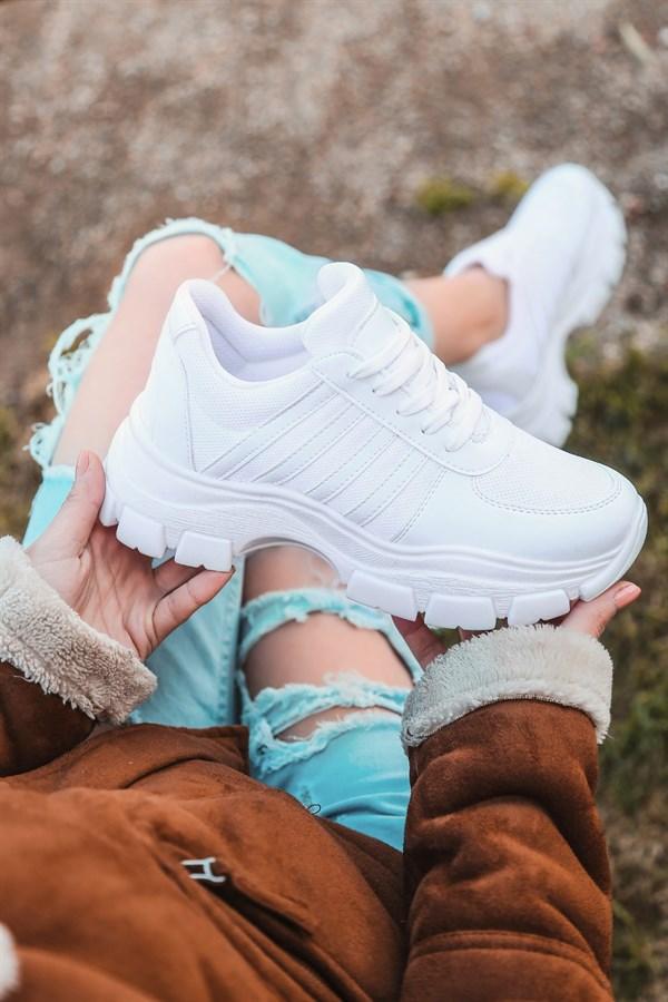 Beyaz ve Siyah Spor Ayakkabı Bayan Modelleri için KaliteMall!