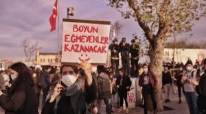 Boğaziçi Üniversitesi gösterisine katılan 23 öğrencinin davası ertelendi